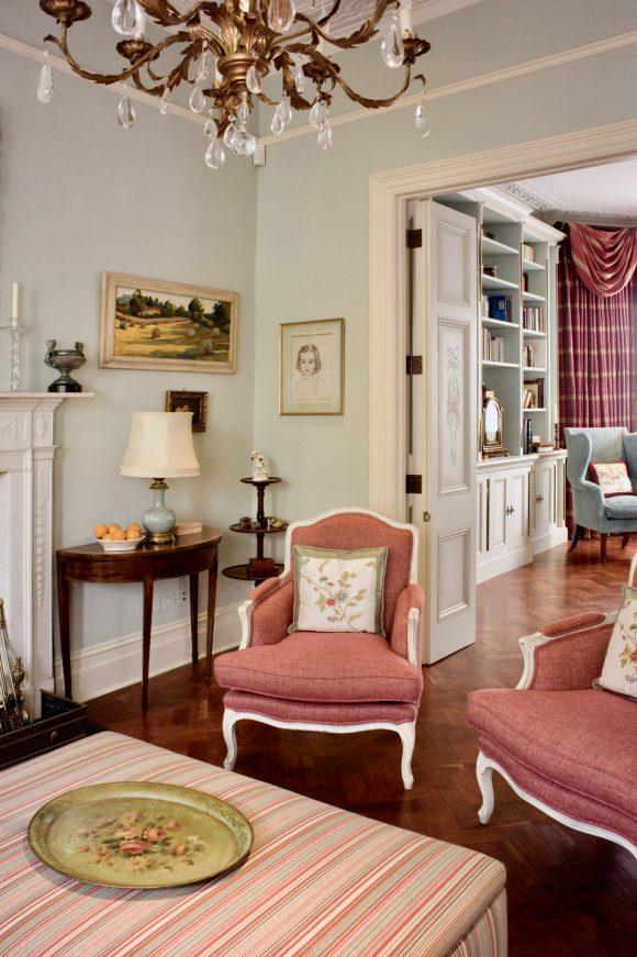 Notting Hill Terraced Family Home Classic & contemporary residential interior design London. Hélène's projects cover London and its surrounding counties.