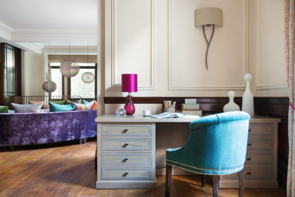 Bayswater Pied-à-Terre Classic & contemporary residential interior design London. Hélène's projects cover London and its surrounding counties.